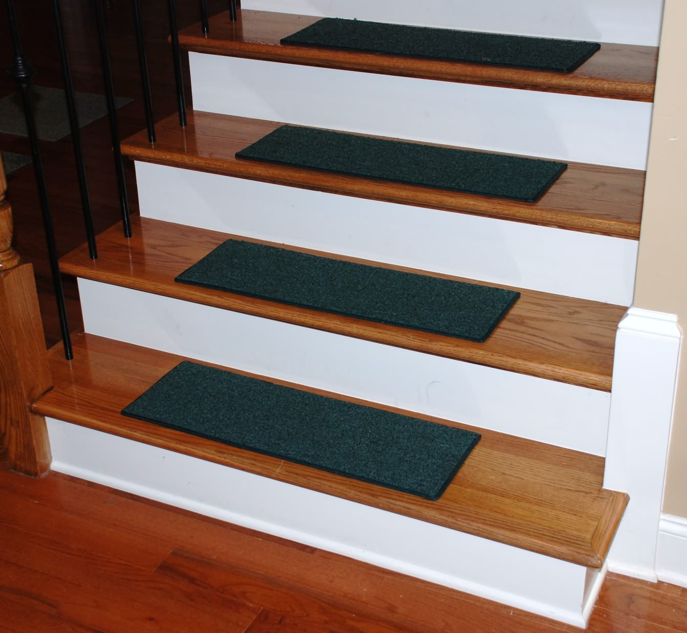 stairs carpet tread.